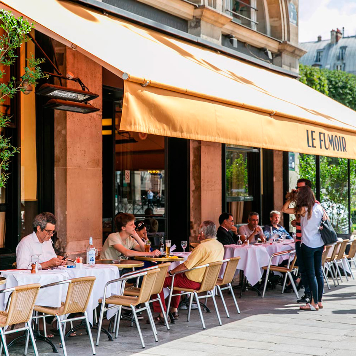 The 6 best terrace bars cafes and restaurants in paris for Open terrace restaurants