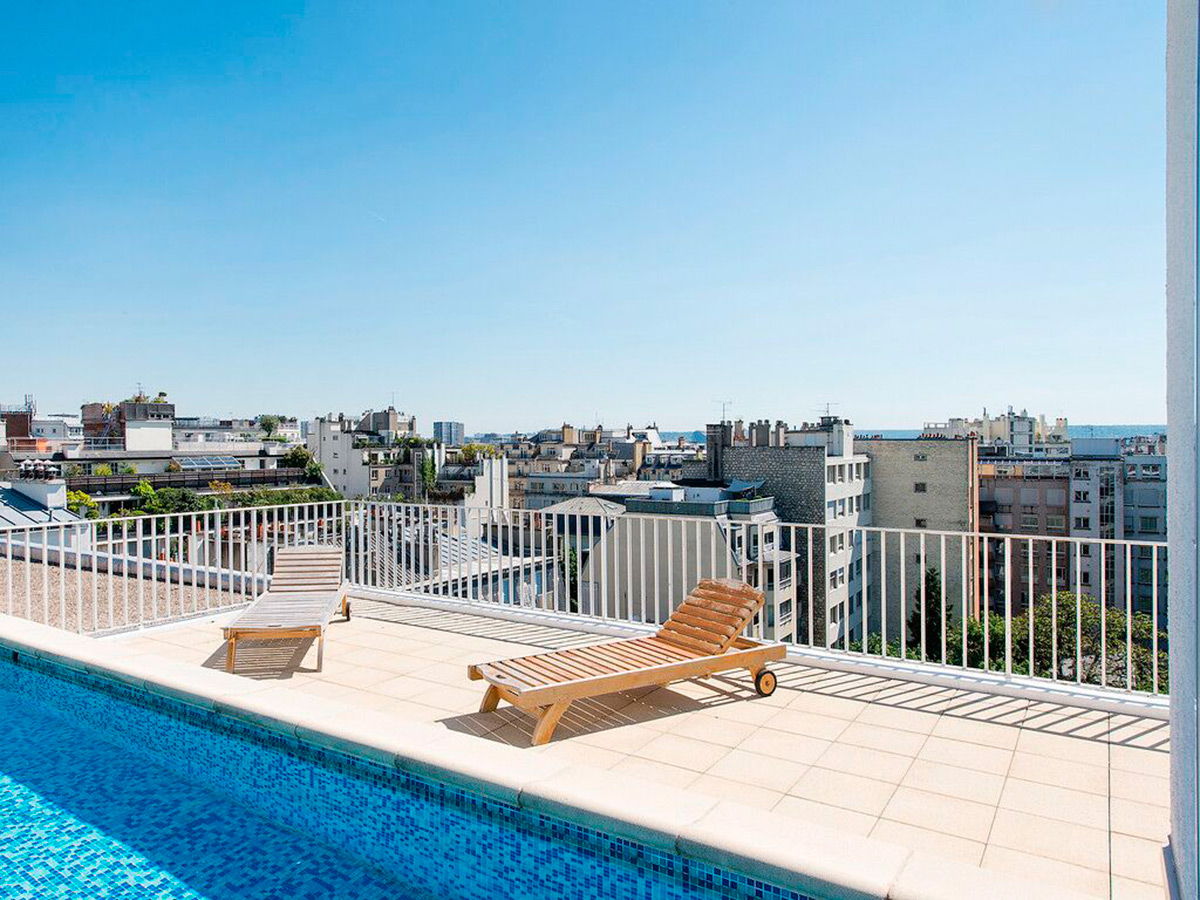 Les 9 plus belles terrasses d 39 appartements parisiens for Piscine 6eme