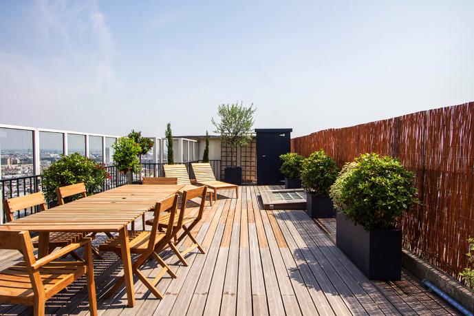 les 9 plus belles terrasses d 39 appartements parisiens photoreportage. Black Bedroom Furniture Sets. Home Design Ideas