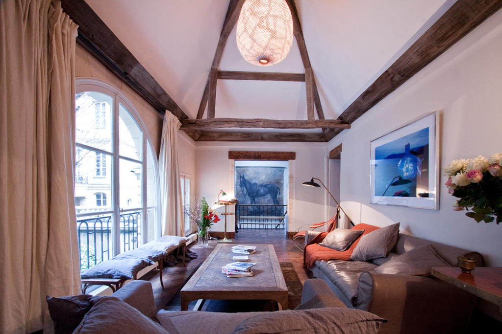 Top floor apartment in Paris
