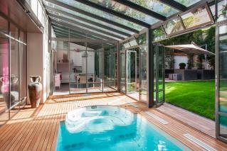 Maisons et h tels particuliers les plus belles demeures for Appartement avec piscine paris