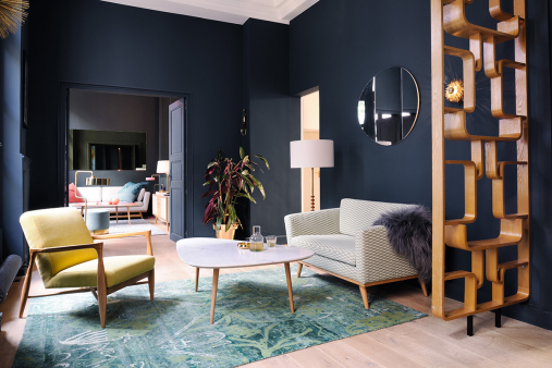 Un appartement au d cor r tro chic le showroom de red - Appartement design retro rustique barcelone ...