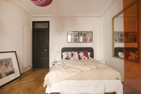Appartement meubl luxe et design dans un immeuble art for Caravane chambre 19 paris