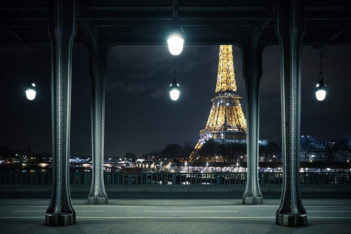 Paris by night - Eiffel tower by Thomas Deschamps