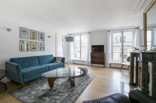 appartement parisien relook simplicit et style rue saint honor. Black Bedroom Furniture Sets. Home Design Ideas