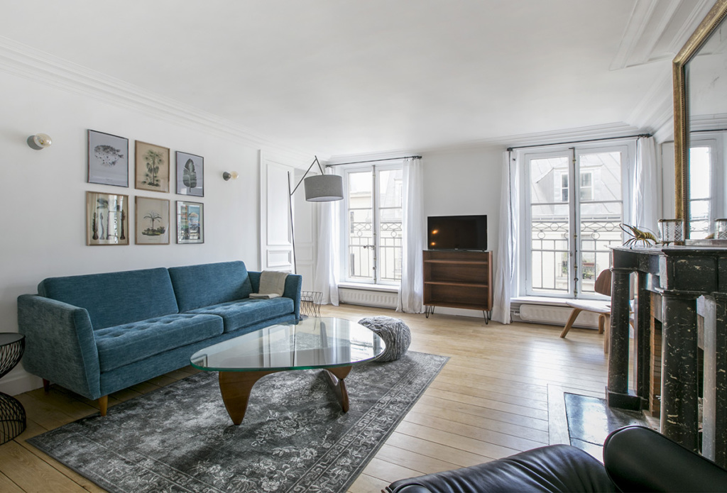 Paris life Mag Tips for a stylish makeover of a furnished apartment on rue Saint-Honoré