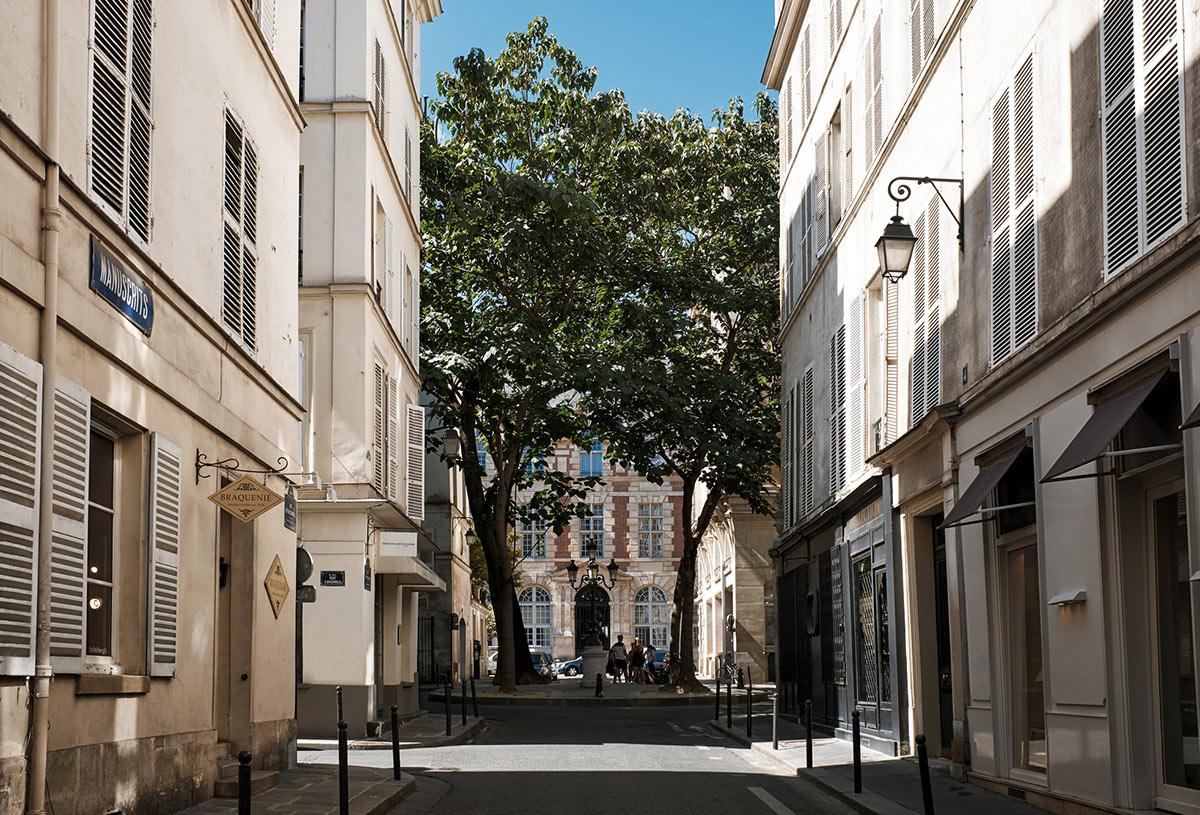 Paris life Mag Saint-Germain-des-Prés
