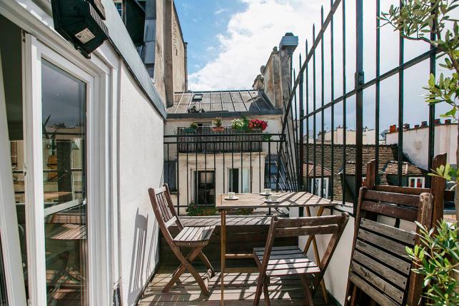 Terrasse Rue des Gravilliers dans le Marais