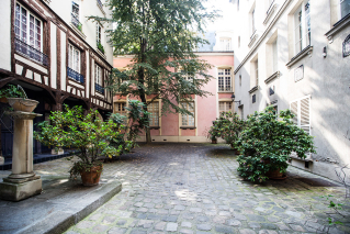 Courtyard Rue Elzevir Paris