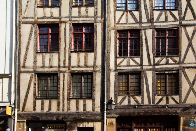 Oldest house Rue Volta building Paris