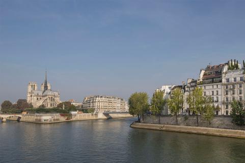 Quai d'Orléans Notre-Dame Paris