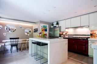 Kitchen furnished house Paris 16 Trocadero