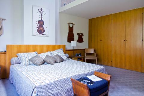 Bedroom furnished apartment Passy neighbourhood