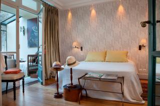 Bedroom furnished house Paris Rue Louis David