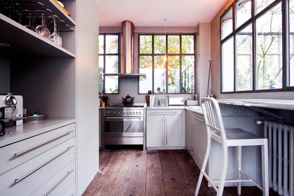 Kitchen funrished apartment equipped Paris 9