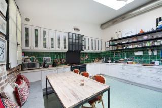 Kitchen furnished house Paris neighbourhood Montmartre