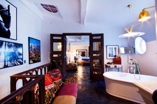 bathroom furnished apartment Paris 6