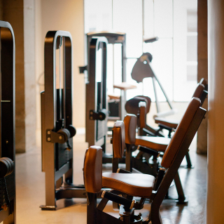 machines workout facilities gym