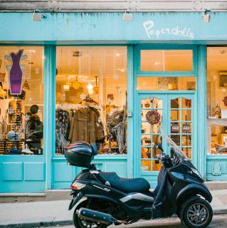 boutique Montmartre Paris Paperdolls