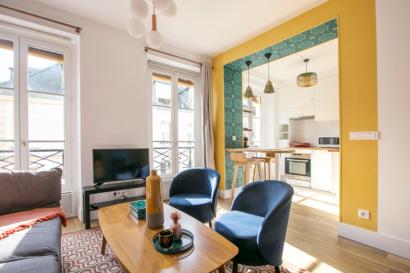 living area studio Paris 3rd