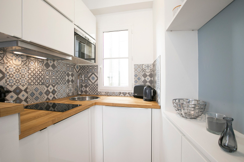 equipped kitchen furniture objects decorate Paris