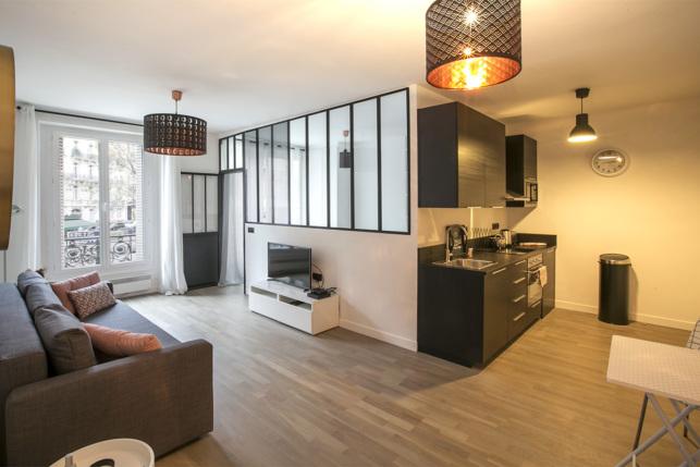 10 deux pi ces meubl s ultra fonctionnels paris. Black Bedroom Furniture Sets. Home Design Ideas