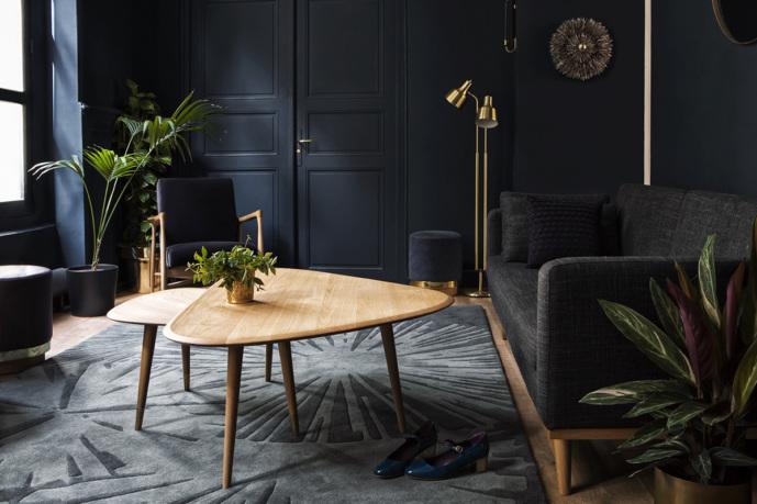 un appartement au d cor r tro chic le showroom de red. Black Bedroom Furniture Sets. Home Design Ideas