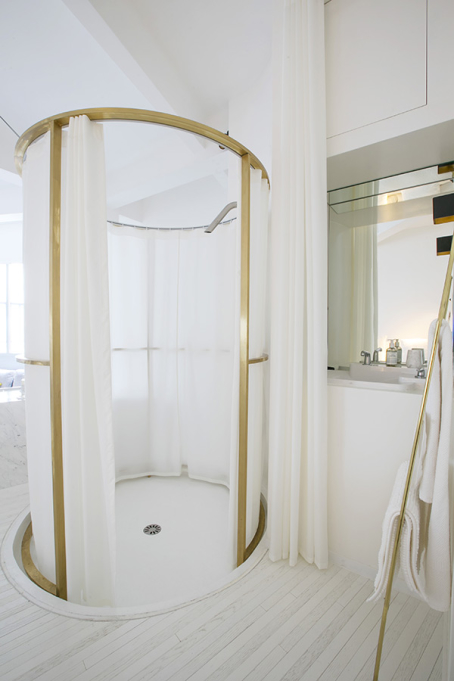 shower white brass loft Paris