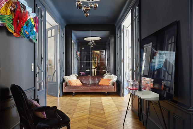 Hall entrance door apartment living rental in Paris