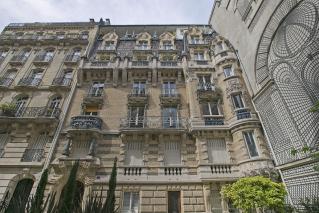 Building façade architecture art Nouveau Paris Jules Lavirotte