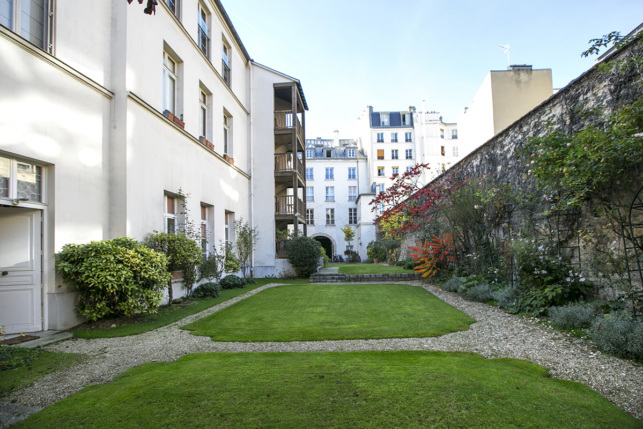 furnished rental with garden Marais Paris
