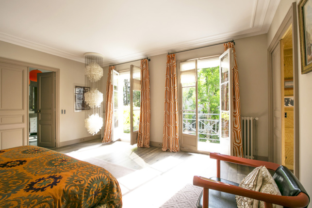 furnished rental bedroom with terrace and view paris