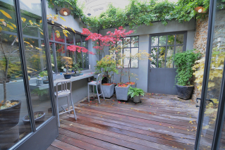Rent Paris apartment with patio