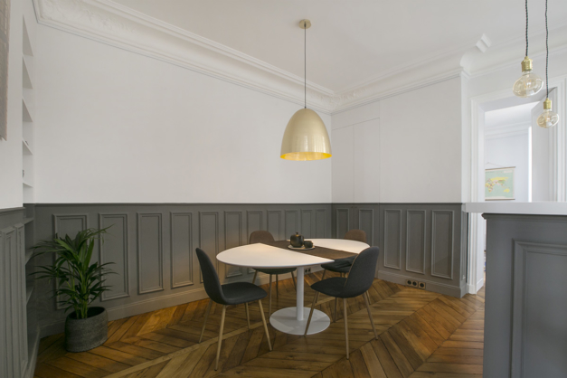 dining room furnished apartment Paris Invalides