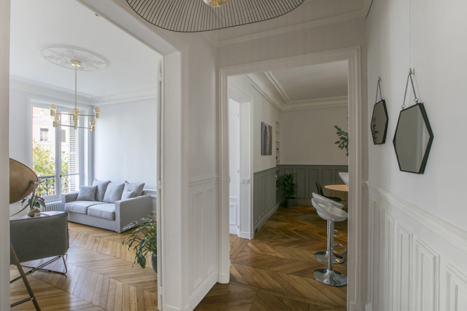 entrance living bedroom furnished apartment Bd de la Tour Maubourg