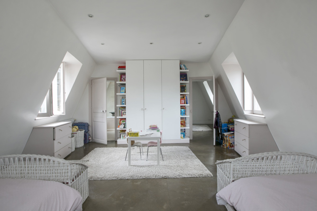 5 bedrooms 3 bathrooms Paris 75017