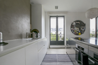 american-style fully equipped kitchen Paris rental
