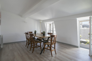 dining room kitchen apartment for rent in Paris