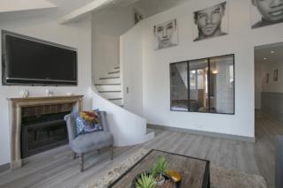 living duplex parisian apartment Rue des Ecouffes