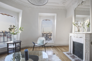 View on the Eiffel Tower furnished apartment for rent