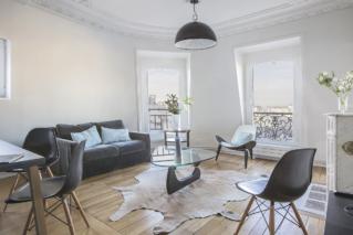 Appartement deux chambres Paris location meublée sous les toits