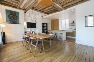 cosy living room rent in Paris 3rd arrondissement