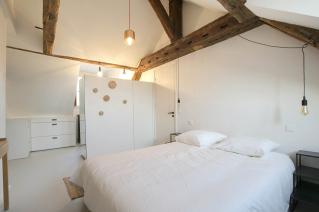 bedroom dressing room Paris apartment for rent in Le Marais district