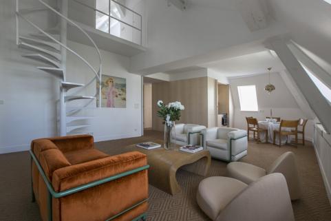 dulpex for rent in Paris Le Marais district