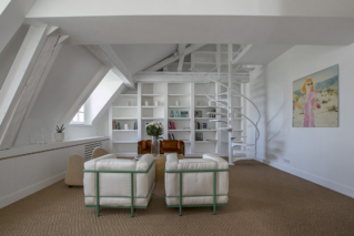 huge library living room funrished apartment Paris