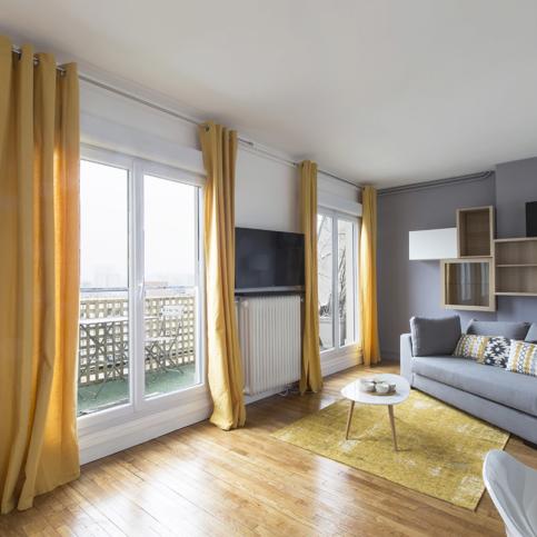 light window french doors paris apartment rental Alesia