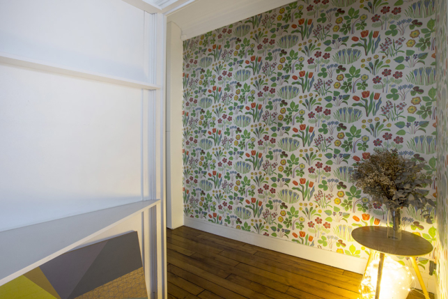spring wallpaper room furnished rental Paris