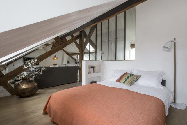 glazed partition bedroom rental apartment Paris