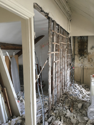 general contractor assistant renovation works Paris apartment