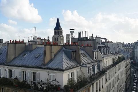 Saint-Germain-des-Près neighbourhood furnished apartment former chambres de bonnes
